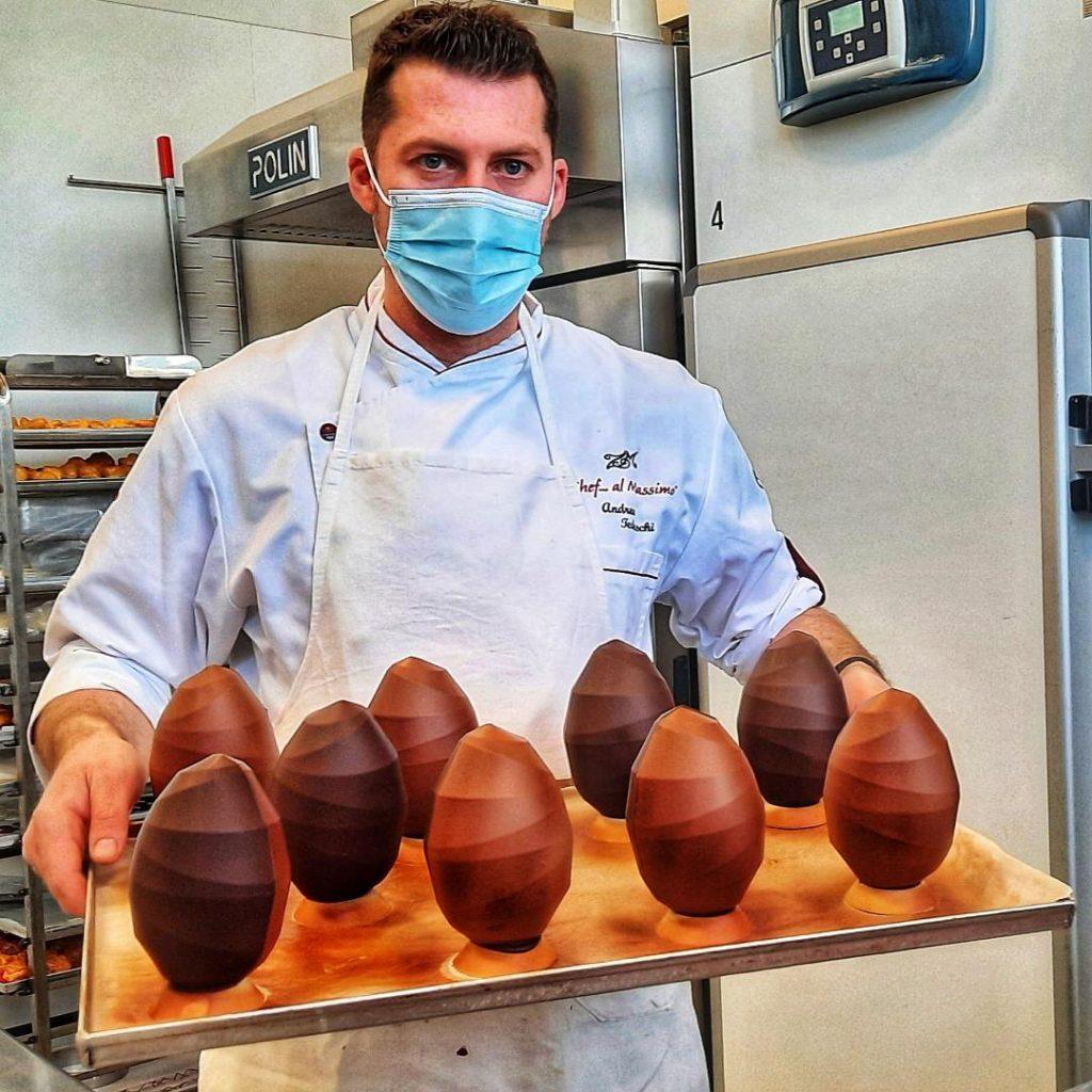 Nel Pastry Lab di Andrea Tedeschi fra colombe artigianali e uova artistiche
