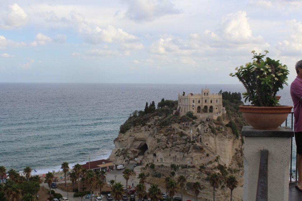 Santuario della Madonna dell' Isola a Tropea